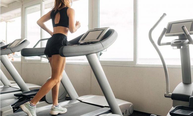 How does a treadmill work?