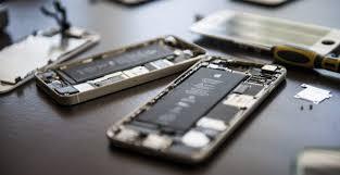 Photo of Risks of Using the Broken Phone Screen : Cell Phone Screen Repair